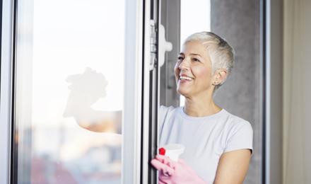ikkunoiden peseminen