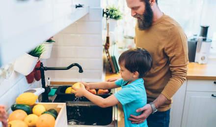 10 hygieneregler (for barn som elsker å lage mat)