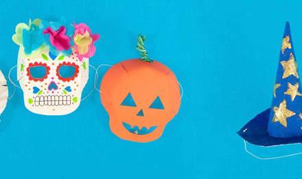 Masques de costume pour Halloween pour une momie, un crâne, une citrouille et des chapeaux de sorcières faits maison