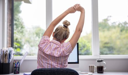 5 exercices à la maison pour se tenir droit